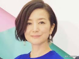 鈴木京香現在も年齢不詳の美 髪型ファッションも人気 Grape