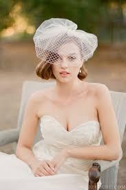 毛先をコロンと巻いてクラシカルなイメージ Aラインプリンセスドレス