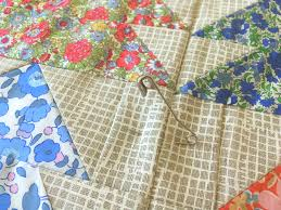 How To Baste A Quilt - Pins And Spray | Blossom Heart Quilts & Pin basting a quilt Adamdwight.com