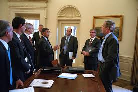 george bush oval office. 911: President George W. Bush With Senior Officials In Oval Office, 10/ George Bush Oval Office