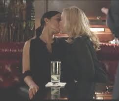 Anderson kiss lesbian pamela