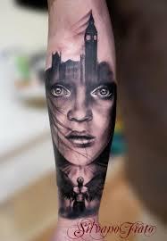 фото тату лицо девушки на фоне города татуировки и эскизы девушки