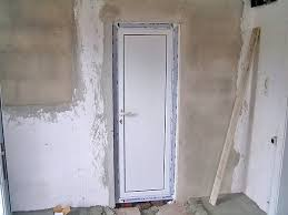 Двери для туалета и ванной Пластиковые и деревянные конструкции дверей для ванной