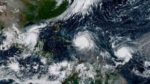 Resultado de imagem para furacões destruição