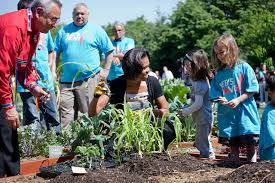 Michelle Obama Kitchen Garden Filemichelle Obama And American Indian Children Plant Traditional
