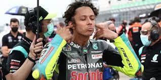 Rossi is also the only road racer to have competed in 400 or more grands prix. Valentino Rossi Sagt Erstmals Schwierig Dass Ich Nachstes Jahr Noch Fahre
