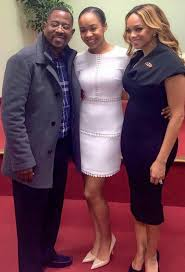Pat Smith (Emmitt) & 1st husband Martin Lawrence w/their daughter  Jasmin.....college student now | Black love couples, Black celebrity  couples, Black families