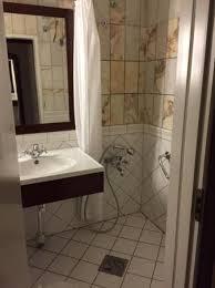 first hotel reisen bath tub removed water mixer left low sink drain blocked