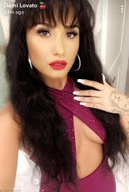 Kim Kardashian transforms into the late Selena Quintanilla | Daily ...