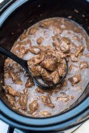 slow cooker beef tips with gravy