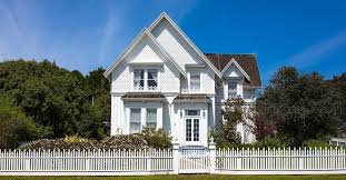 white picket fence. View In Gallery White Picket Fence
