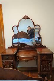 I Have A Gettysburg 1920u0027s Bedroom Set. Full Size Bed Head U0026 Foot Board,  Chest, Bureau U0026 Vanity. What Should A Antique Dealer Offer Me?