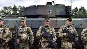 Глава бундесвера уходит В глухую защиту Михаил Шейнкман