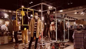 Retail Visual Merchandiser Visual Merchandising Driving Sales By Elevating The In Store Experience