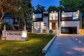 Driveway Garage Lighting Contemporary House In Toronto Canada