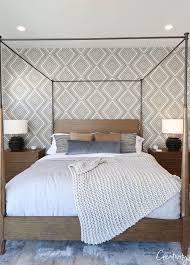 Bedroom wallpaper accent wall ...