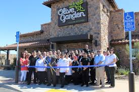 olive garden restaurant ribbon cutting