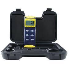 digital manometer. digital manometer with tubing r