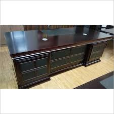 Wooden office table Reception Wooden Office Tables Textundkonzeptinfo Wooden Office Tables Manufacturersupplier In Mumbai