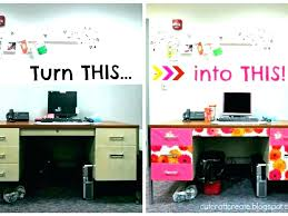 Decorate office desk Workspace Office Desk Decor Ideas Decoration For Work Decorate Cubicle Decorating Home Decorati Office Desk Decor Ideas Doragoram Office Desk Decor Ideas Exclusive Idea Bedroom Awesome Best Images
