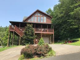 smoky hills sunshine family cabin mounn view hot tub large deck wifi yard gatlinburg