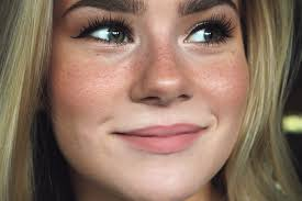 want to learn how to make fake freckles this faux freckles tutorial will teach you