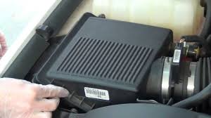 Air Filter Replacement 2000-2006 Chevrolet Tahoe, Suburban ...