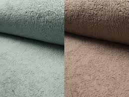 Die mutter legt den teppich auf _(der fußboden). Teddy Rs 0034 32 90 Chf
