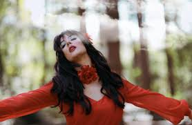 Portsmouth singer transforms into Kate Bush   The News
