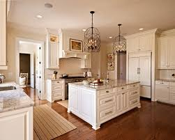 Plain Traditional Antique White Kitchens Example Of A Classic Ushaped Kitchen Design In On Inspiration