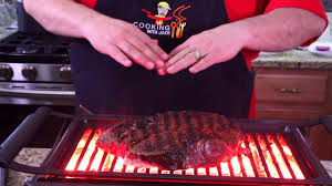 The best electric grills can grill meats and vegetables, press sandwiches, and even make pancakes, bacon and eggs, all without filling your kitchen with unwanted smoke. Philips Smokeless Indoor Grill Review Youtube