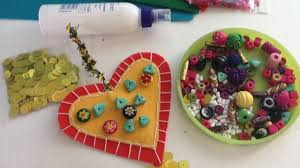 Crea delle decorazioni in feltro per san valentino fai da te