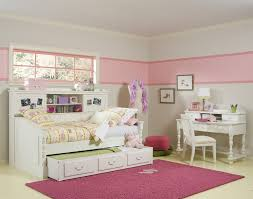 good twin beds bedroom with girls white desk