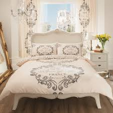 image of printed bedding theme