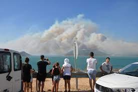 Mersin'de bir yangın daha! Mersin Antalya yolu ulaşıma kapatıldı - Son  dakika haberleri
