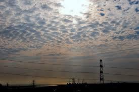 「不吉な雲出てる! 全国各地で「地震雲」報告相次ぐ【SNS画像まとめ】」の画像検索結果