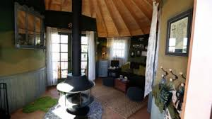 Treehouse masters interior Rustic treehouse Masters Little Bit Of Ireland Comes To California Screener Tv apostreehouse Mastersapos Little Bit Of Ireland Comes To