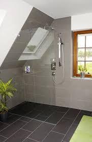 Komplettbad Mit Dachschräge In Modischem Grau In 2019 Bathroom