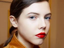 how to wear red lipstick during the day
