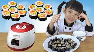 Bé thử làm món Kimbap với nồi cơm điện Cuckoo Hàn Quốc ❤ AnAn ToysReview TV  ❤ - YouTube