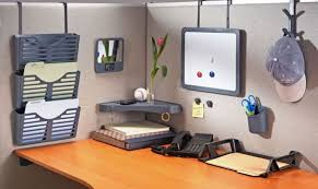 Office cubicle accessories Office Table Decoration Decoist Diy Cubicle Organization