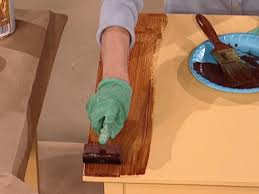 Wood Looking Paint How To Paint A Faux Wood Grain How Tos Diy