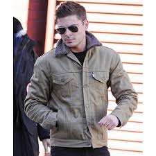 zac efron denim jacket with fur collar