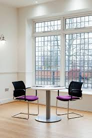 Our Q visitor chair offers a simple but effective design. Its robust steel  frame makes
