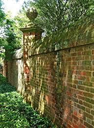 Pin by Priscilla Chapman on Outdoor deco | Brick wall gardens, Brick  garden, Garden wall