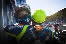 MotoGP 2018, la gioia del doppio podio dei fratelli Luca Marini e Valentino  Rossi