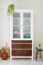 Restyle Project- vitrinekast (ikeahack) >> http://acupoflife.nl. Ikea  CabinetsDisplay ...