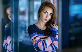 Gorgeous brunette teen posing tatiana