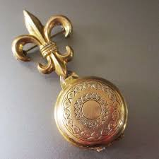 vintage gold plated fleur de lis brooch with photo pendant vermont vintage at the round barn ruby lane