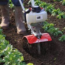 mantis 4 stroke tiller cultivating between rows